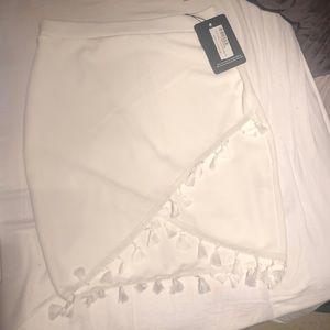 White skirt Pretty Little Thing